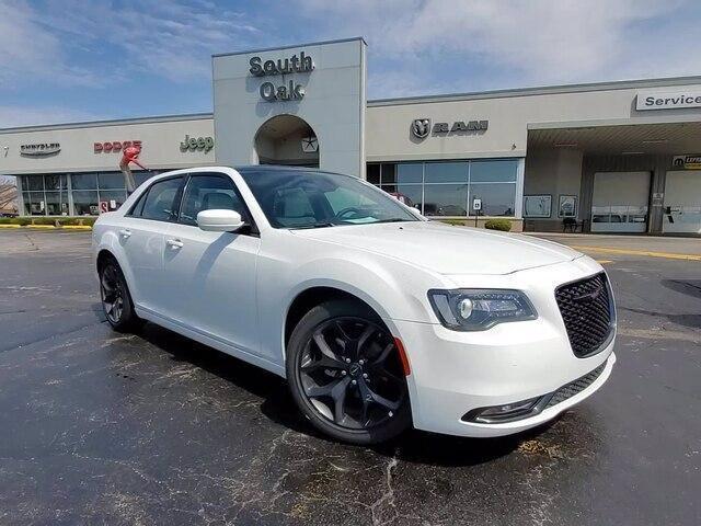 new 2020 Chrysler 300 car, priced at $41,280
