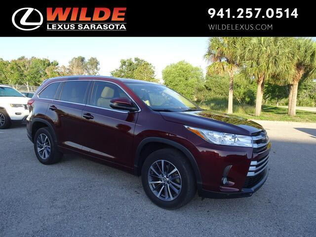 used 2018 Toyota Highlander car, priced at $31,499