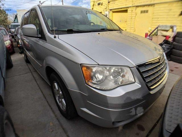 used 2009 Chrysler Town & Country car