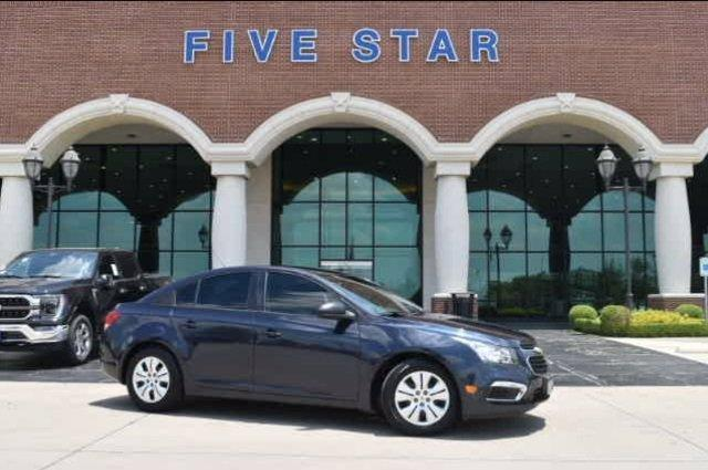 used 2015 Chevrolet Cruze car, priced at $11,000