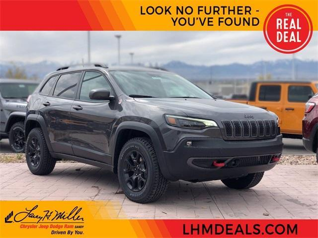 new 2021 Jeep Cherokee car, priced at $37,900