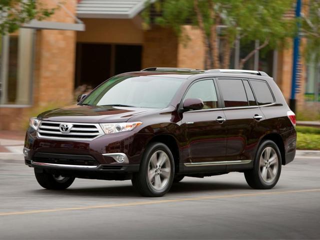 used 2013 Toyota Highlander car, priced at $17,500