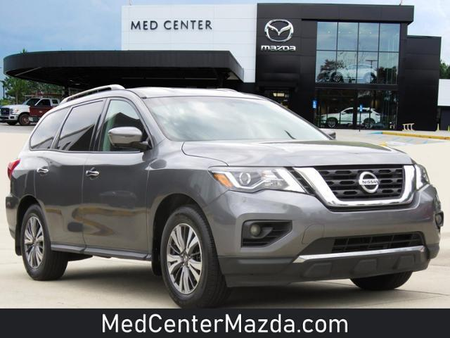used 2017 Nissan Pathfinder car, priced at $17,995