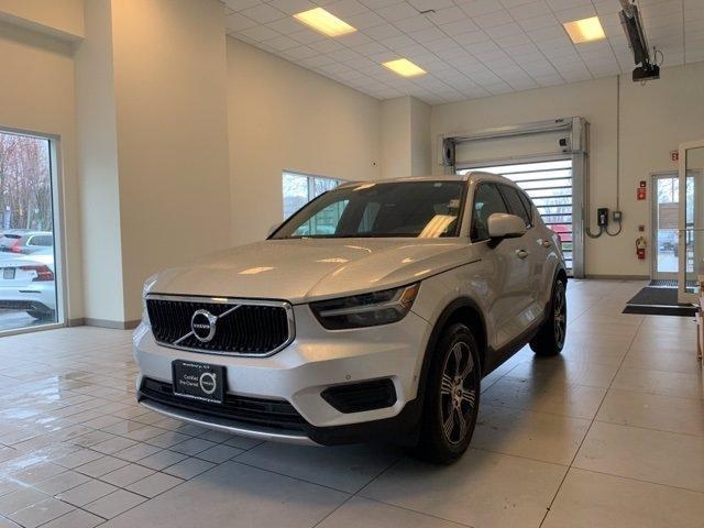 used 2019 Volvo XC40 car, priced at $31,999