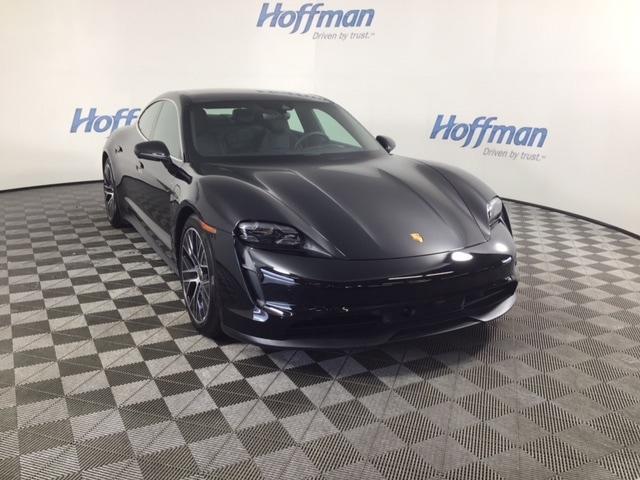 new 2021 Porsche Taycan car