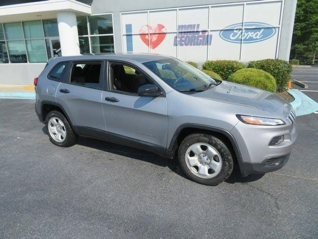 used 2015 Jeep Cherokee car, priced at $16,974