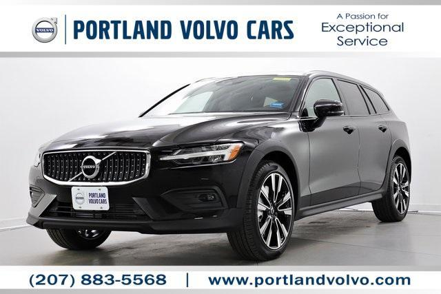 new 2021 Volvo V60 Cross Country car, priced at $45,678