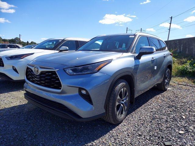 new 2021 Toyota Highlander car, priced at $43,602
