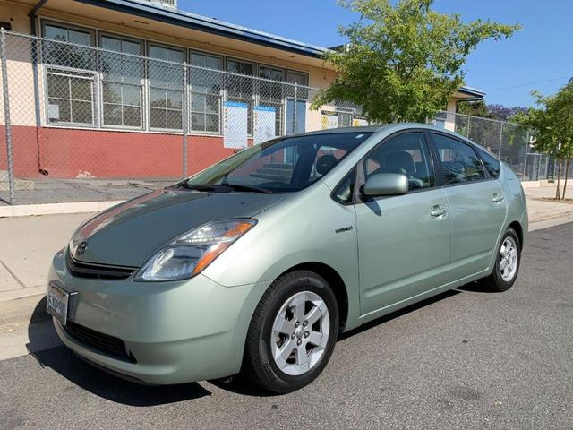used 2007 Toyota Prius car, priced at $5,500