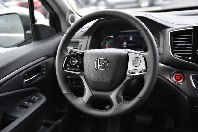 new 2021 Honda Pilot car, priced at $42,080