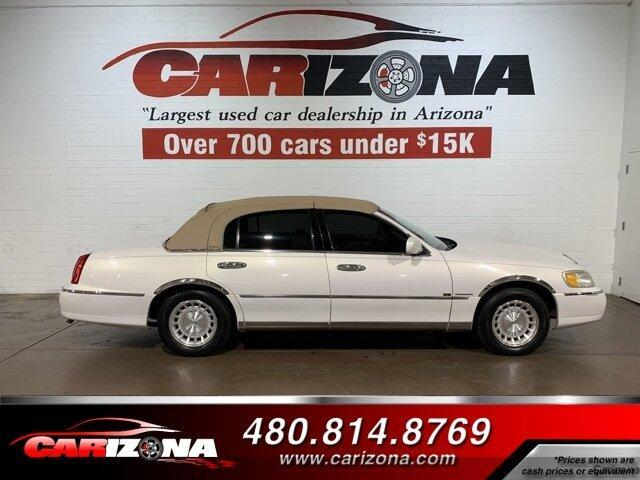 used 1999 Lincoln Town Car car, priced at $4,999