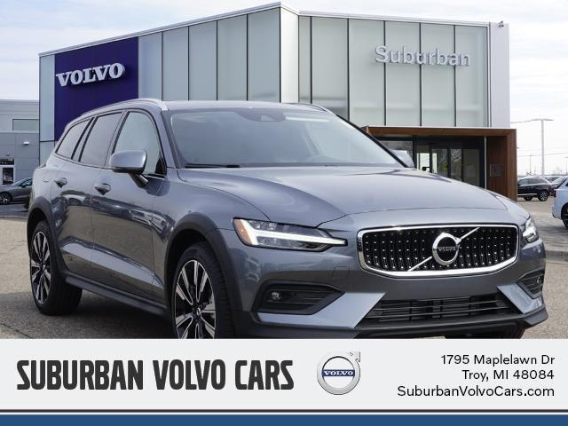 new 2021 Volvo V60 Cross Country car, priced at $46,474