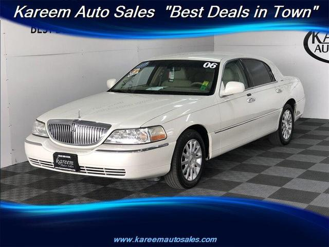 used 2006 Lincoln Town Car car, priced at $8,485